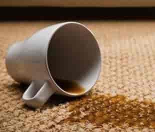 caffe rovesciato in aereo